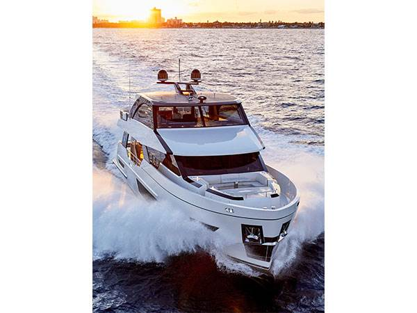 Ocean Alexander 84R Skylounge